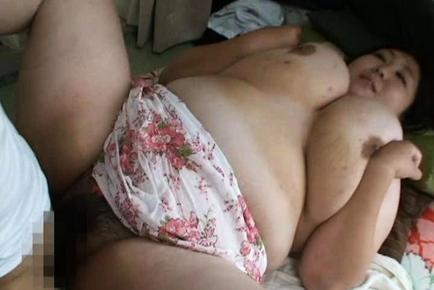Hitomi Matsumoto Lovely Japanese babe has big boobs