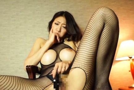 Japanese model Reiko Kobayakawa loves to masturbate