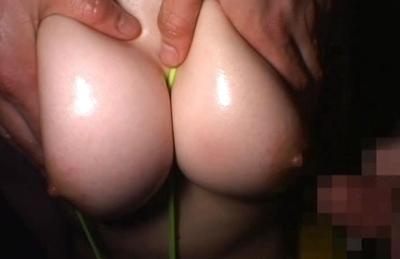 Mao Asian model shows off her big tits in her bikini